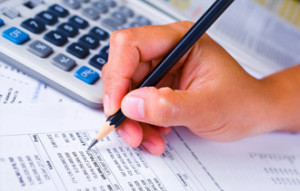 What Does a Financial Auditor Do?