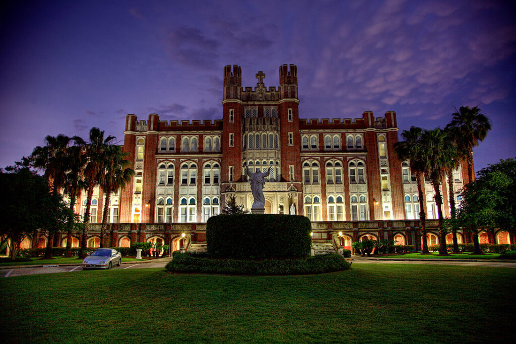 loyola-university-new-orleans-accounting-finance-degree
