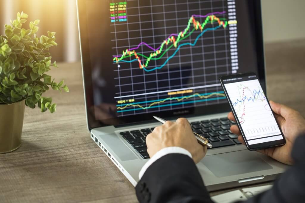 What Does a Stockbroker Do? - Master of Finance Degrees
